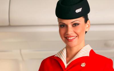 Royal Jordanian angajeaza 40 de insotitori de bord