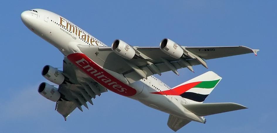 STIATI CA…Stewardesele pot folosi catusele in avion?!