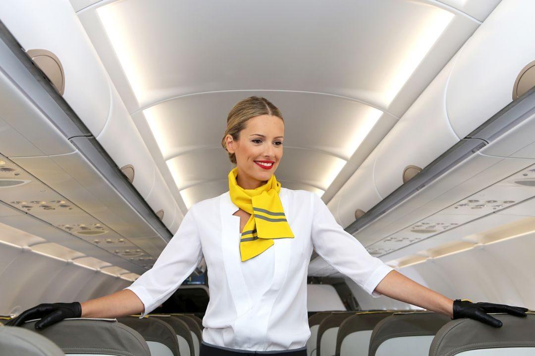 vueling cabin crew