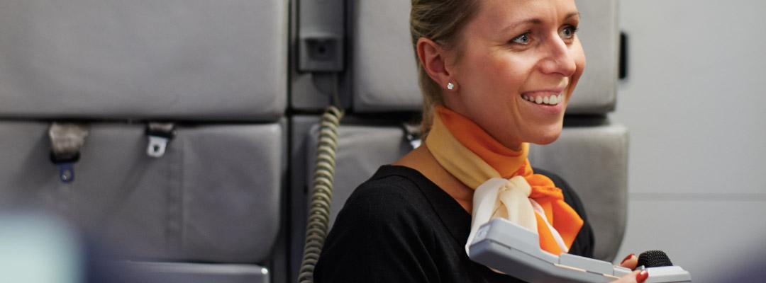 easyjet-stewardesa